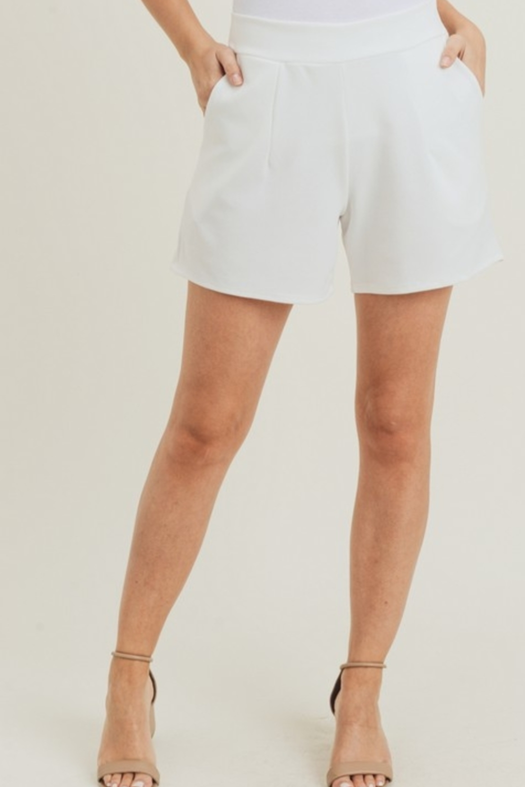 Jodifl Classic Feels Shorts - Front Cropped Image