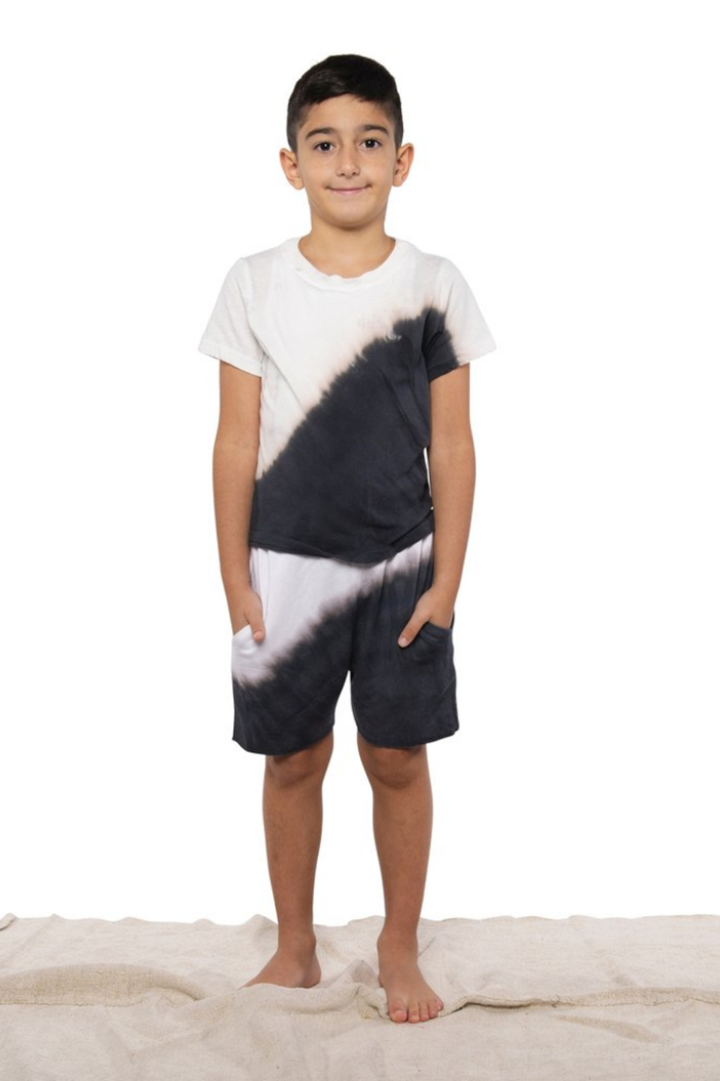 Fairwell Classic Tee - Yin Yang - Front Cropped Image