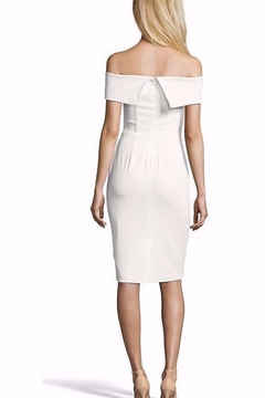 Issue New York Classy White Midi - Alternate List Image