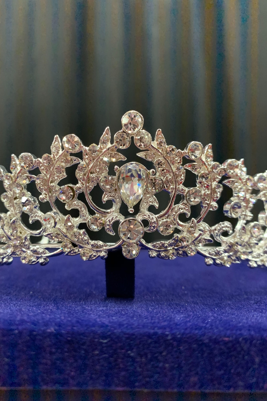 Lucky Collections Clear Crystal Tiara - Back Cropped Image