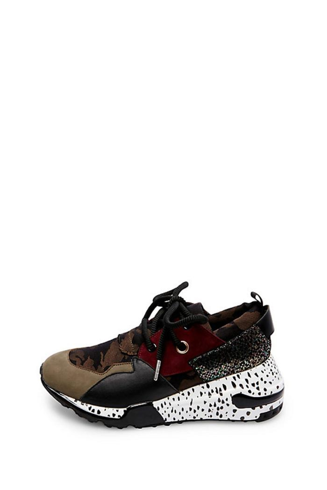 d3d60276cf8 Steve Madden Cliff Sneaker from New York by Luna — Shoptiques