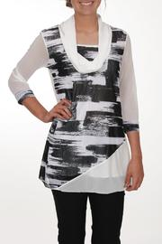 Clotheshead Black White Tunic - Front cropped