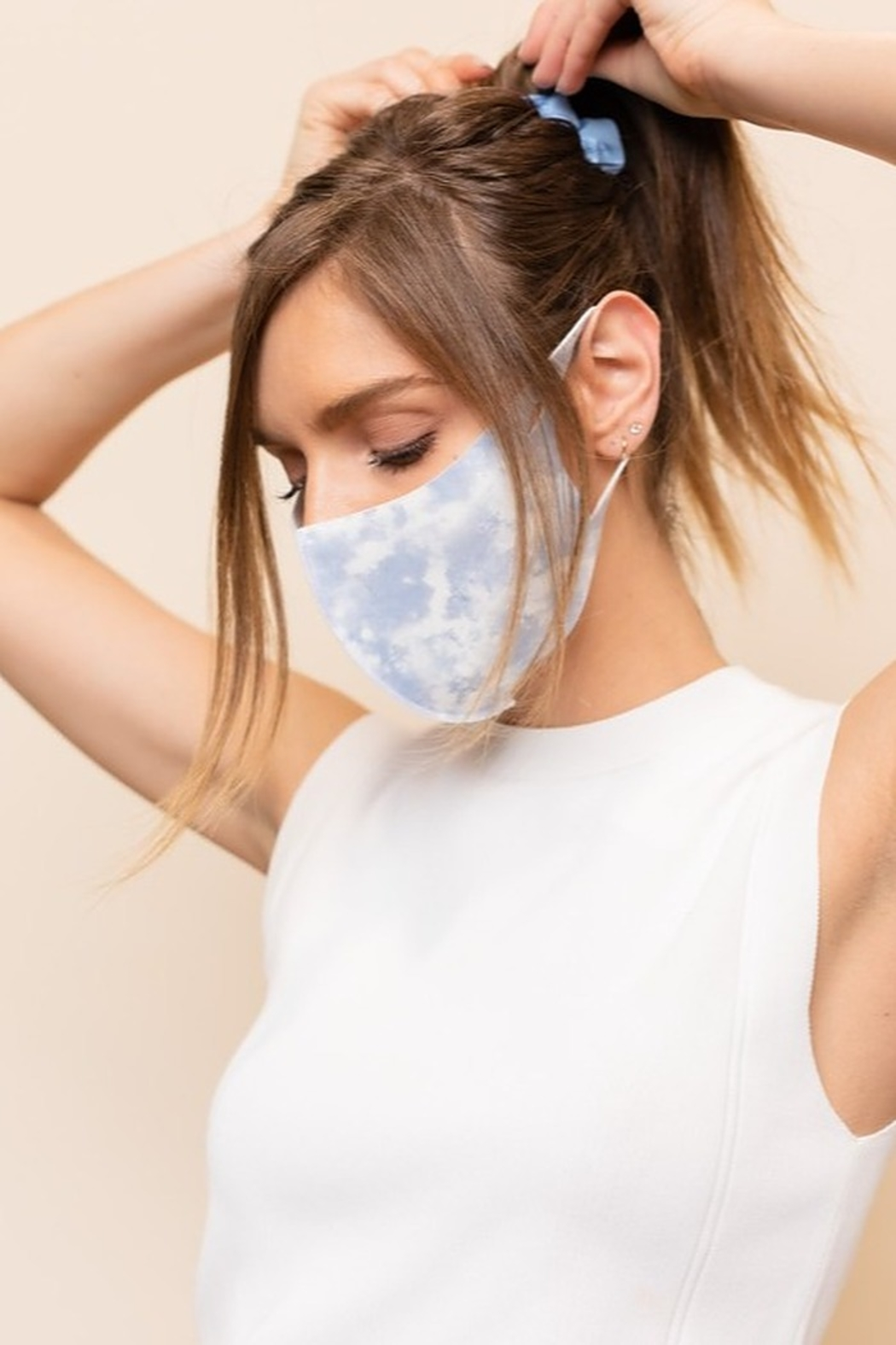 Gilli  Cloud Face Mask - Front Cropped Image
