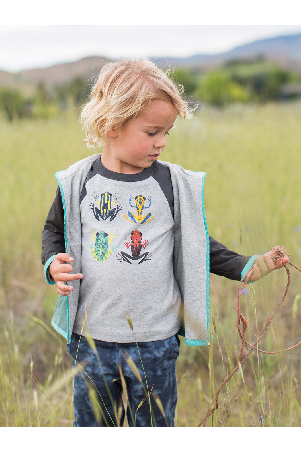 Tea Collection Cloud Forest Frogs Raglan Tee - Side Cropped Image