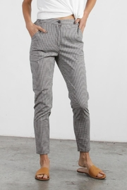 Mod Ref Colby Gingham Pants - Back cropped