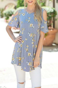 Trend:notes Cold-Shoulder Floral Top - Product List Image