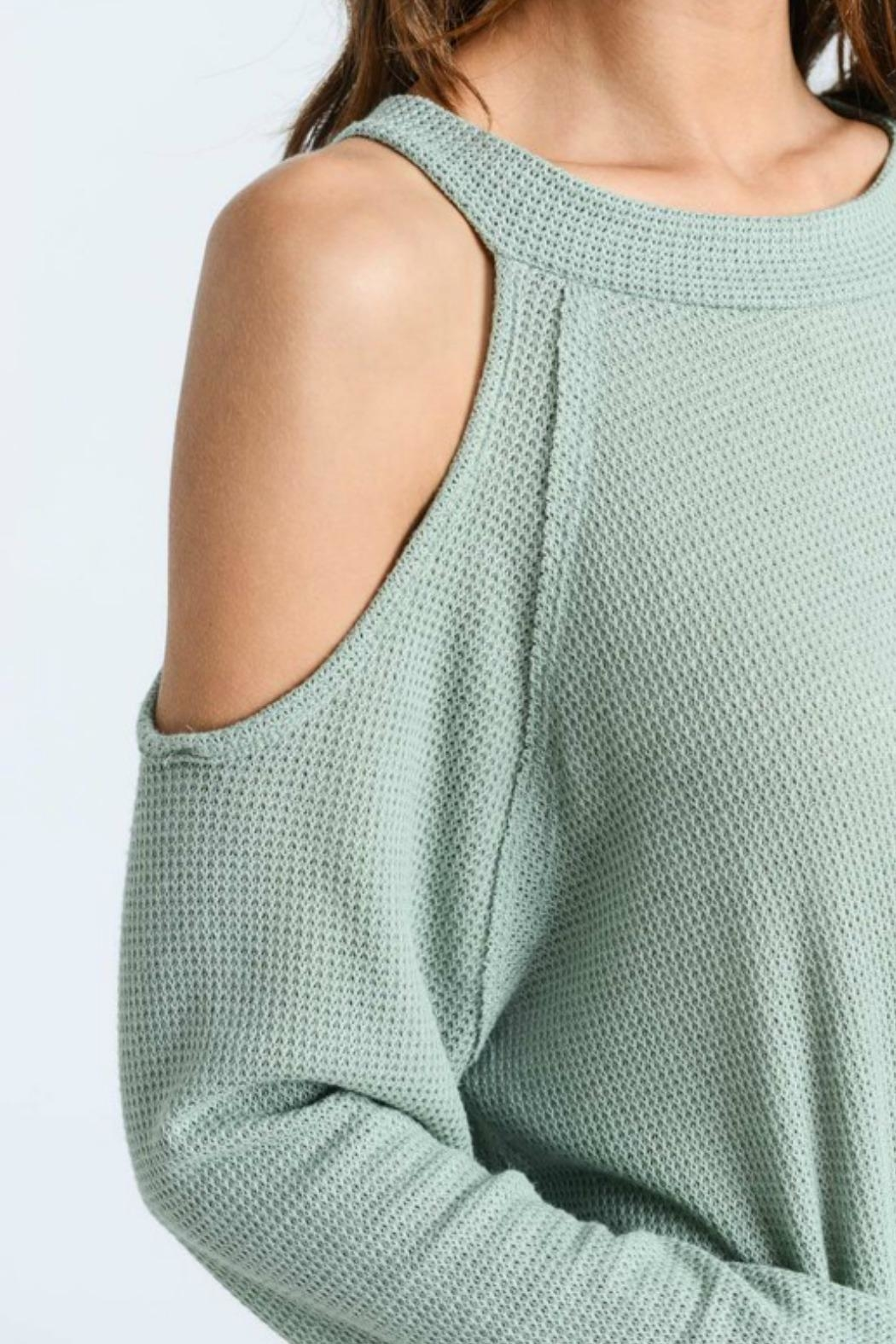 ee:some Cold Shoulder Thermal - Back Cropped Image