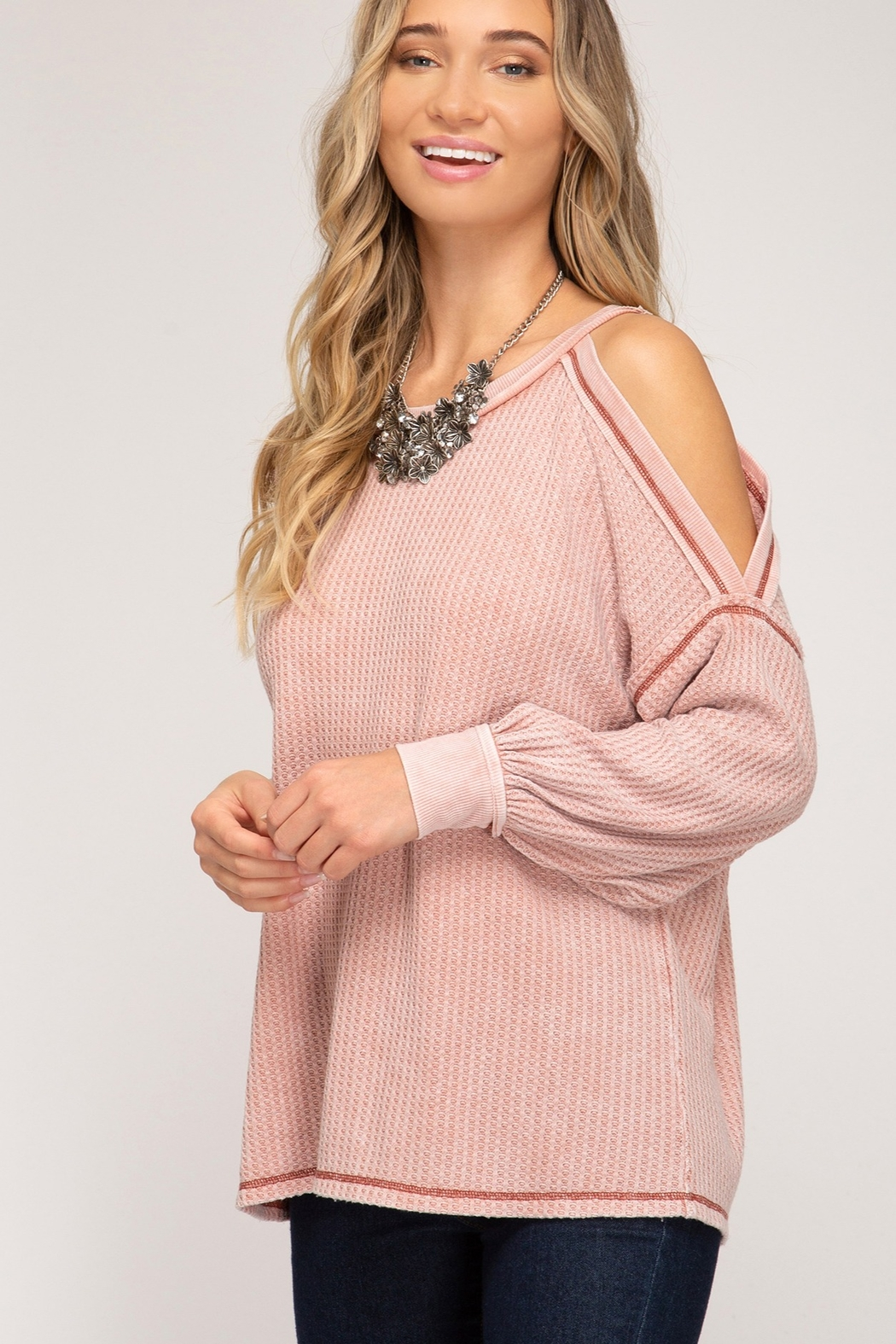 She and Sky Cold Shoulder Thermal Top - Side Cropped Image