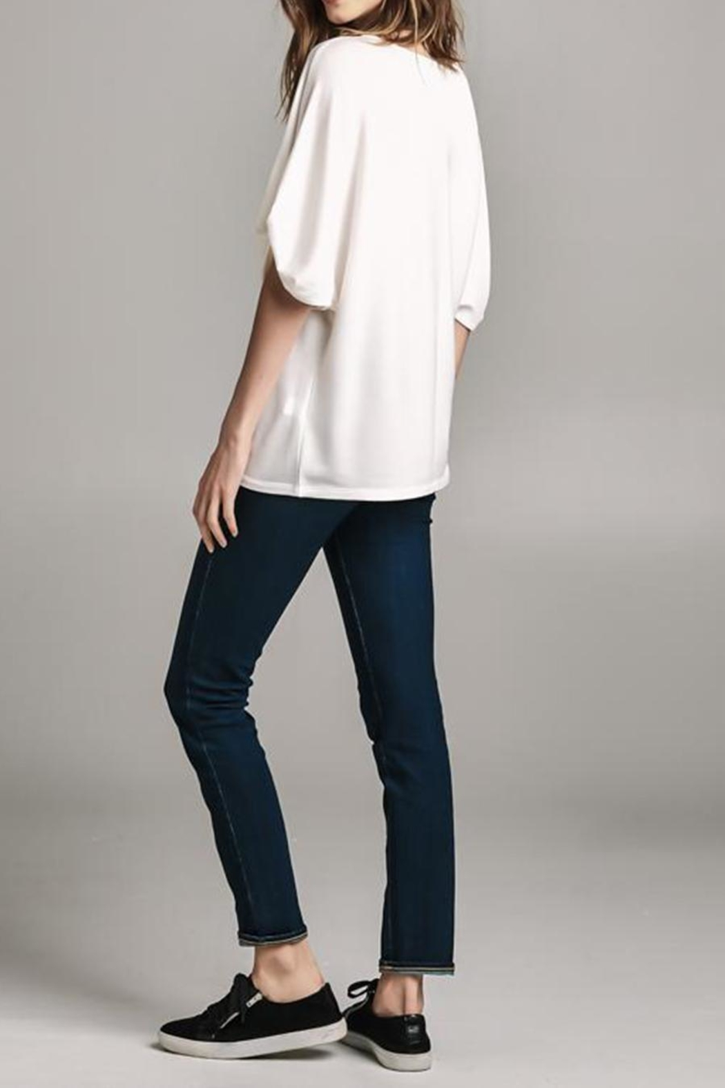 Color Thread Gathered Sleeve Top - Side Cropped Image