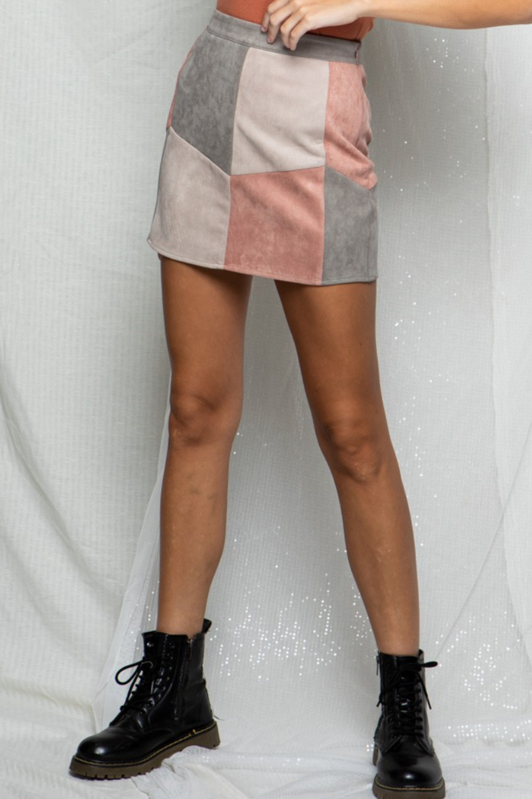 BaeVely Colorblock Suede Skirt - Side Cropped Image