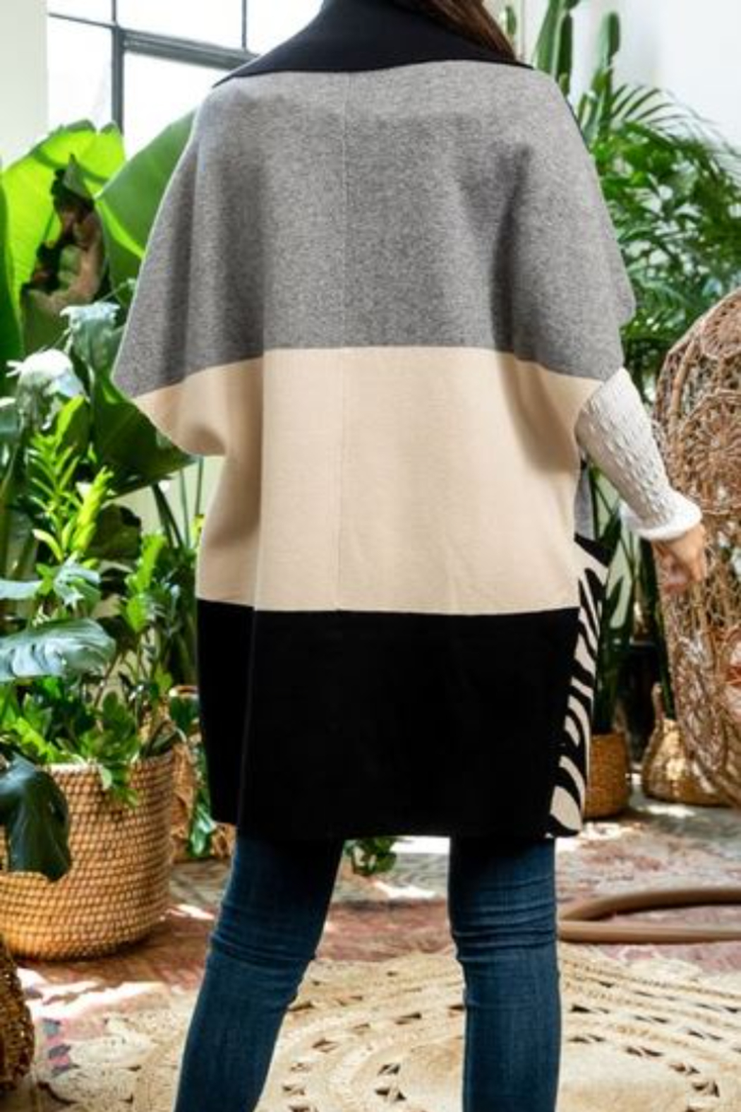 Thml Colorblocked Sleeveless Cardigan - Side Cropped Image