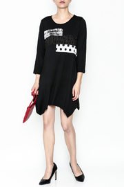 Comfy Graphic Tunic - Side cropped