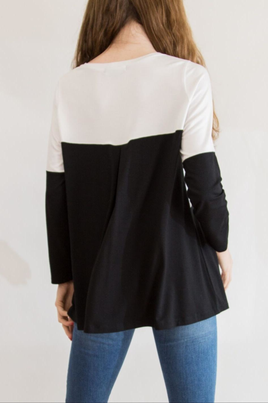 Comfy USA Black & White Tunic - Side Cropped Image