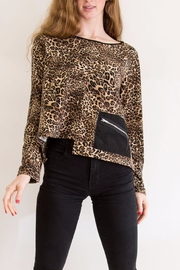 Comfy USA Cheetah Print Top - Product Mini Image