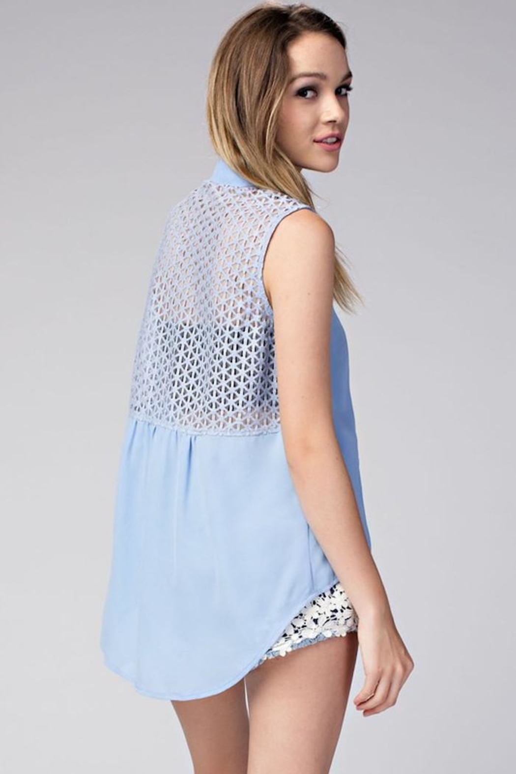 Compendium High-Low Blue Chiffon Blouse - Side Cropped Image