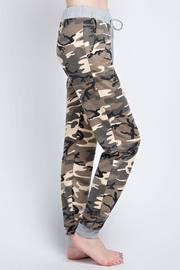 Compendium boutique Camo Jogger Pants - Front full body