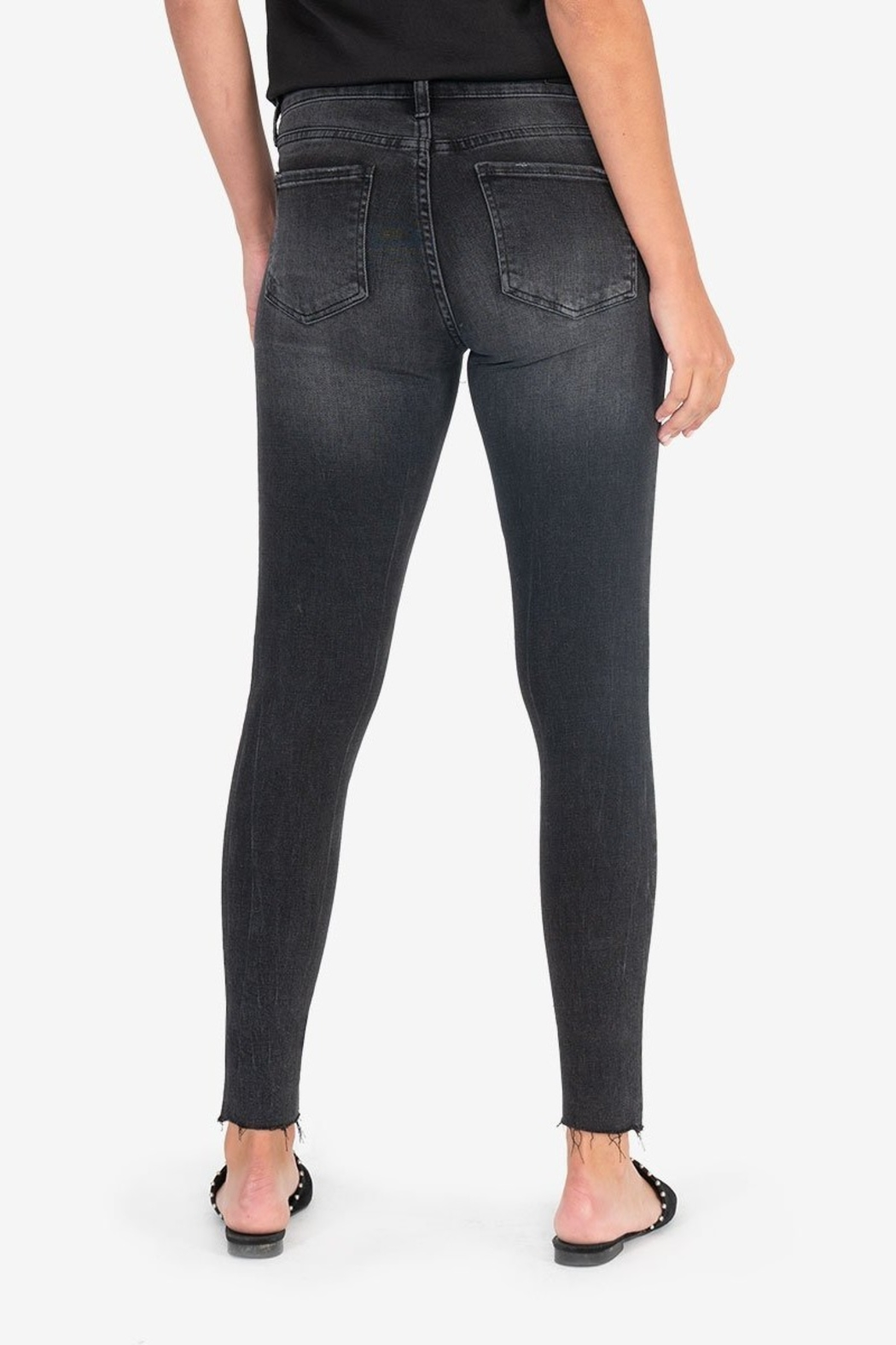 Kut from the Kloth CONNIE ANKLE RAW HEM - Side Cropped Image