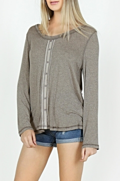 Mur Monoreno Contrast Button Top - Product List Image