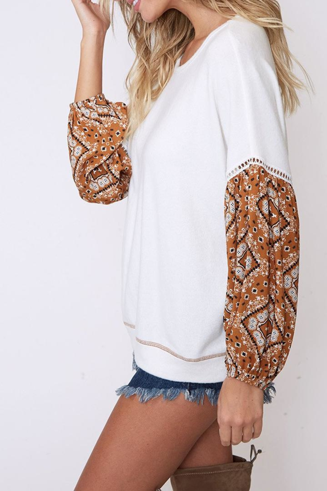 Peach Love California Contrast Sleeve Top - Side Cropped Image