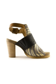 Coqueterra Shoes Coque Terra - Zebra - Side cropped