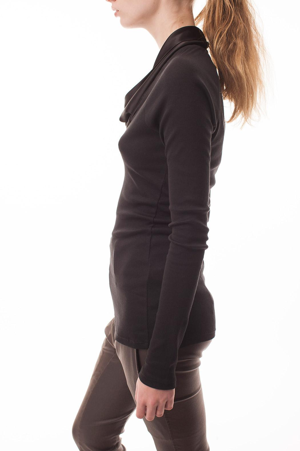 coragroppo Remera Cowl Sweater - Side Cropped Image