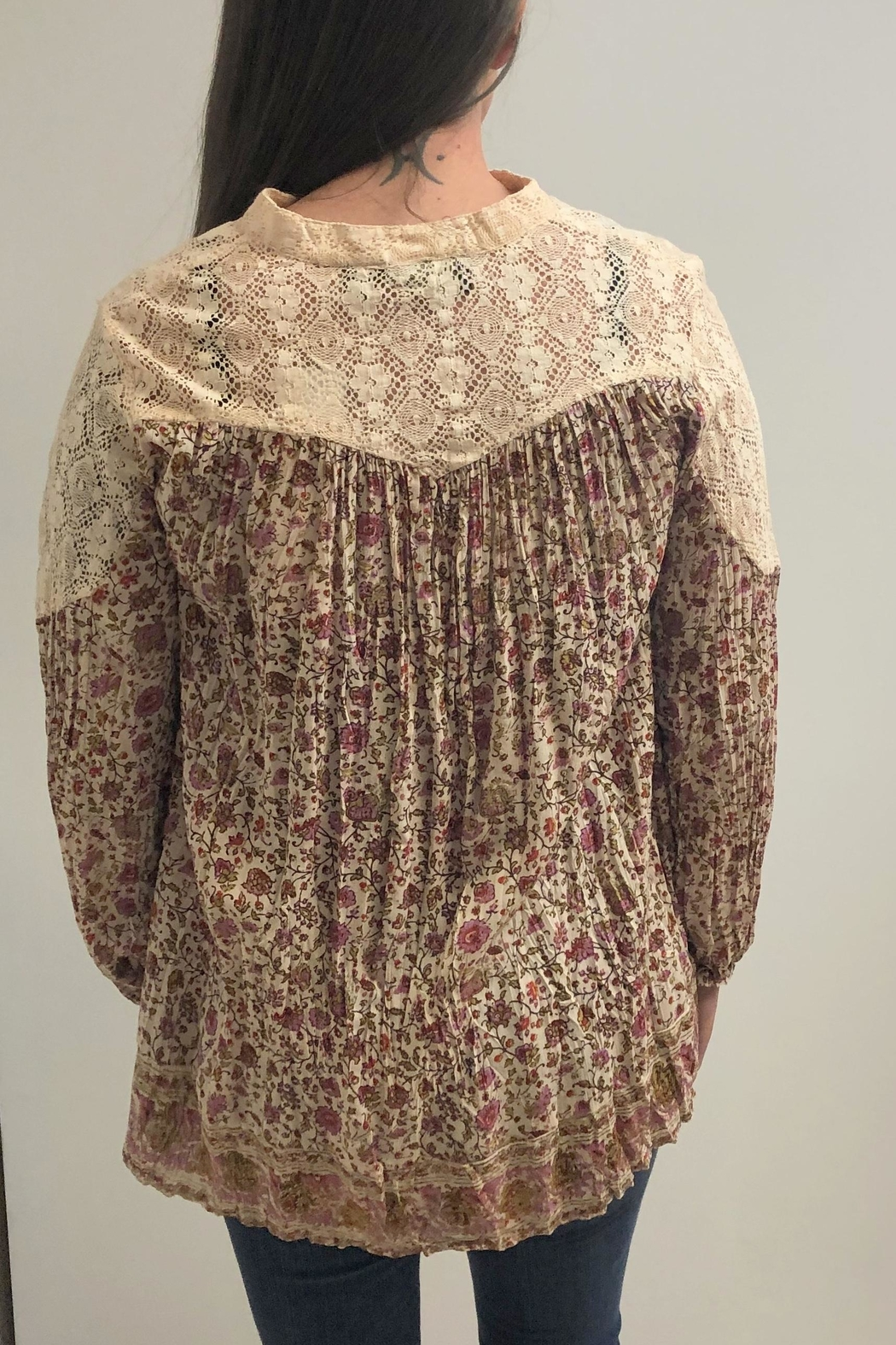 Lola P. Country Floral Top - Front Full Image
