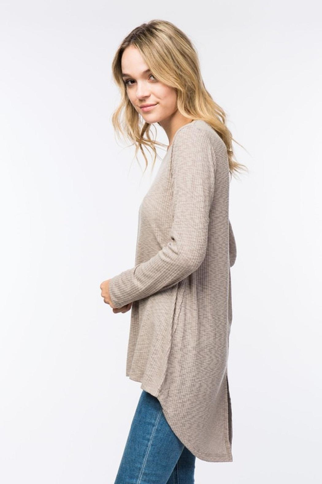 COVERSTITCHED Ribbed Hi-Lo Top - Back Cropped Image