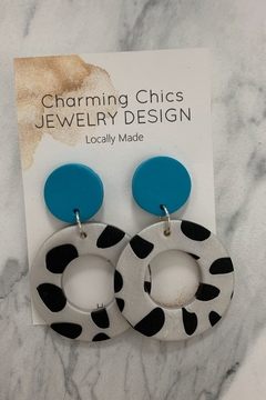 Charming Chics Cow Earrings - Alternate List Image