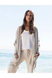 Barefoot Dreams COZYCHIC LITE CLIFFSIDE WRAP - SILVER/PEARL - Product Mini Image