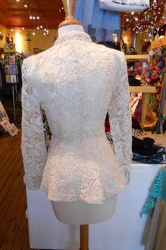Fate Cream Flower Lace Jacket - Alternate List Image