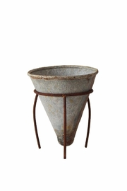 Creative Co-Op Metal Flower Pot - Front cropped