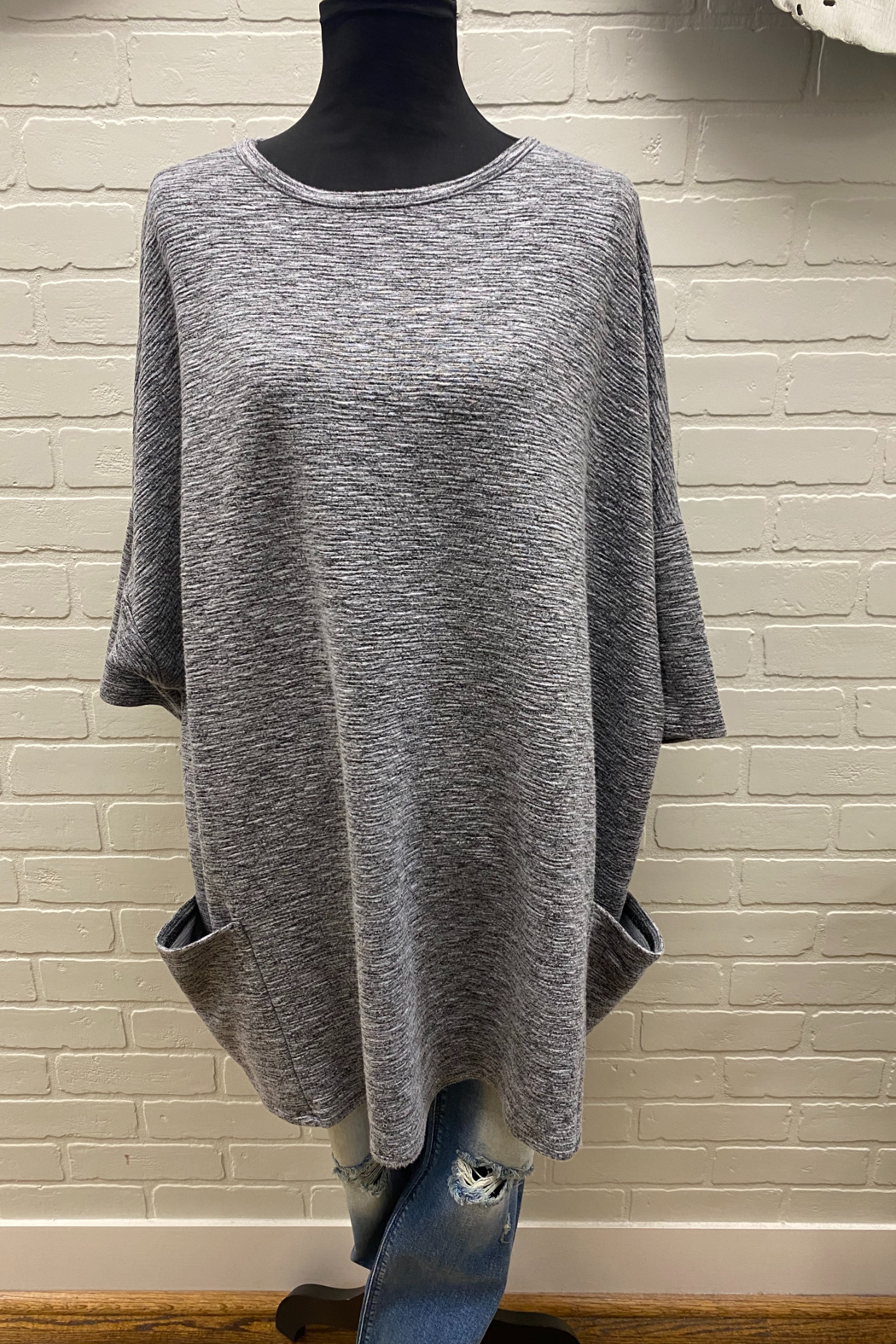 Cutloose Crimped fabric pullover - Front Cropped Image