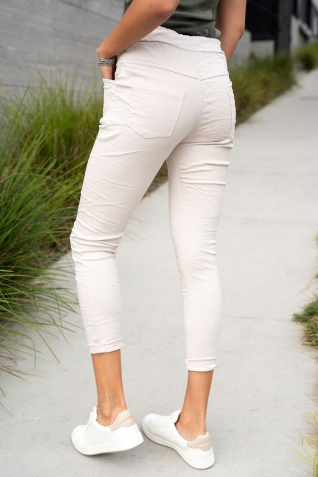 Venti 6 Crinkle Joggers - Side Cropped Image