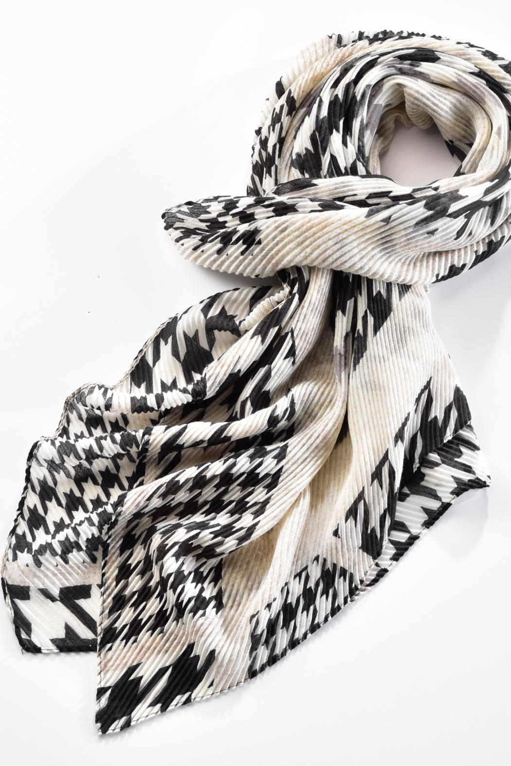 Giftcraft Inc.  Crinkle Printed Scarf - Front Full Image
