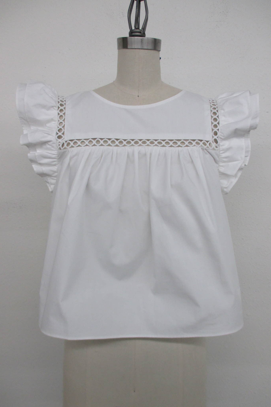 La Ven Cropped Baby Doll Ruffle Sleeve Blouse - Main Image