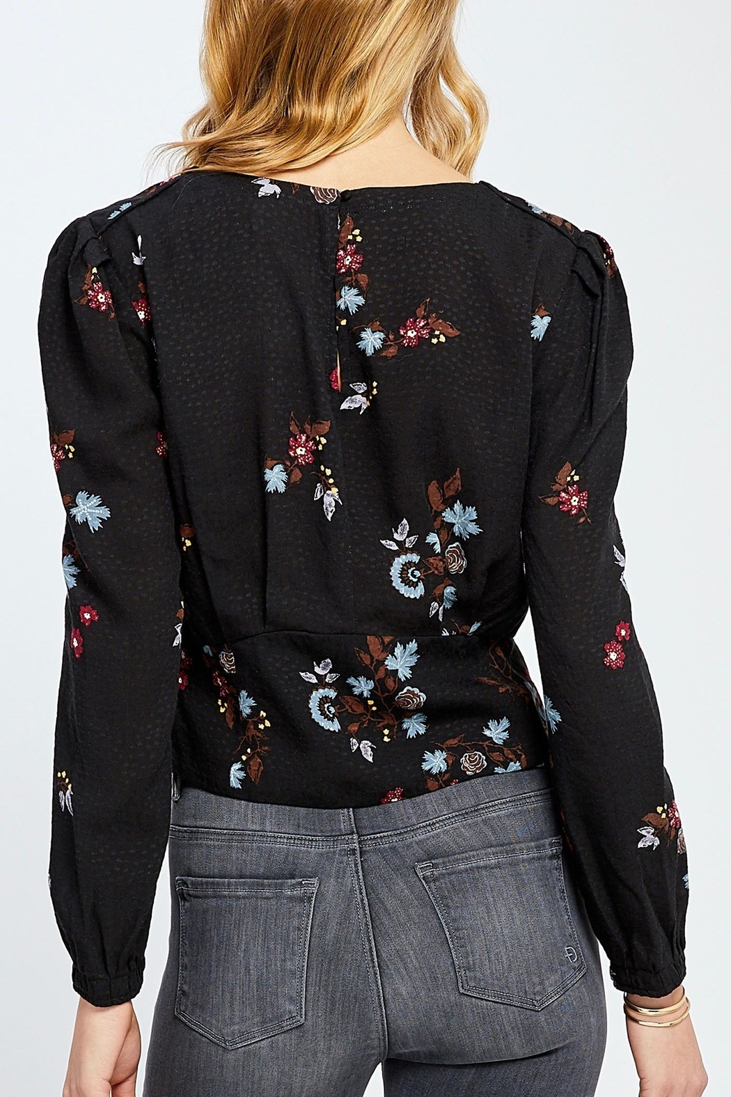 Gentle Fawn Cropped Floral Blouse - Side Cropped Image