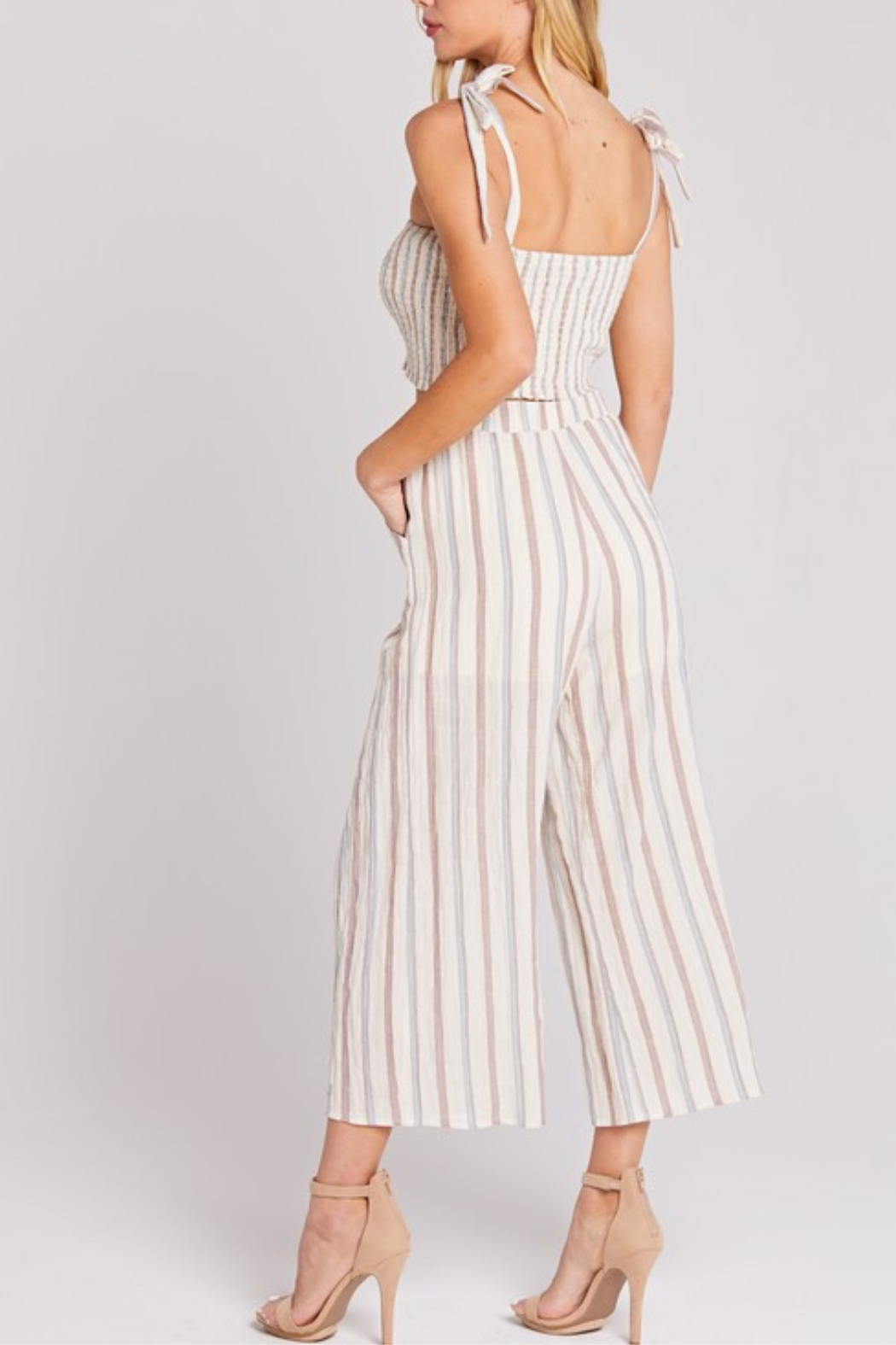 blue blush Cropped Linen Pant - Side Cropped Image