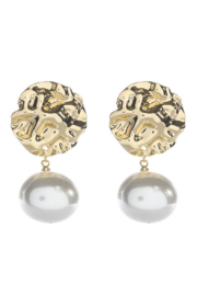 Liza's Jewelry  Crushed Gold with Pearl Earring - Product Mini Image