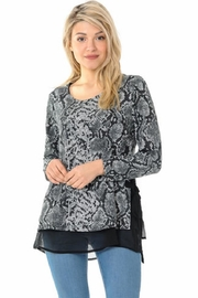 Cubism Animal Bow Top - Product Mini Image