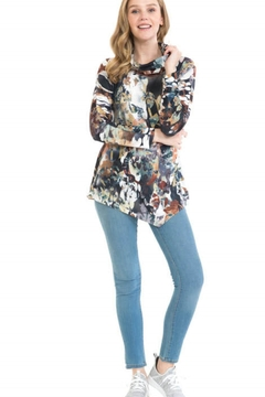 Cubism Hacci Pointed Hem Top - Product List Image