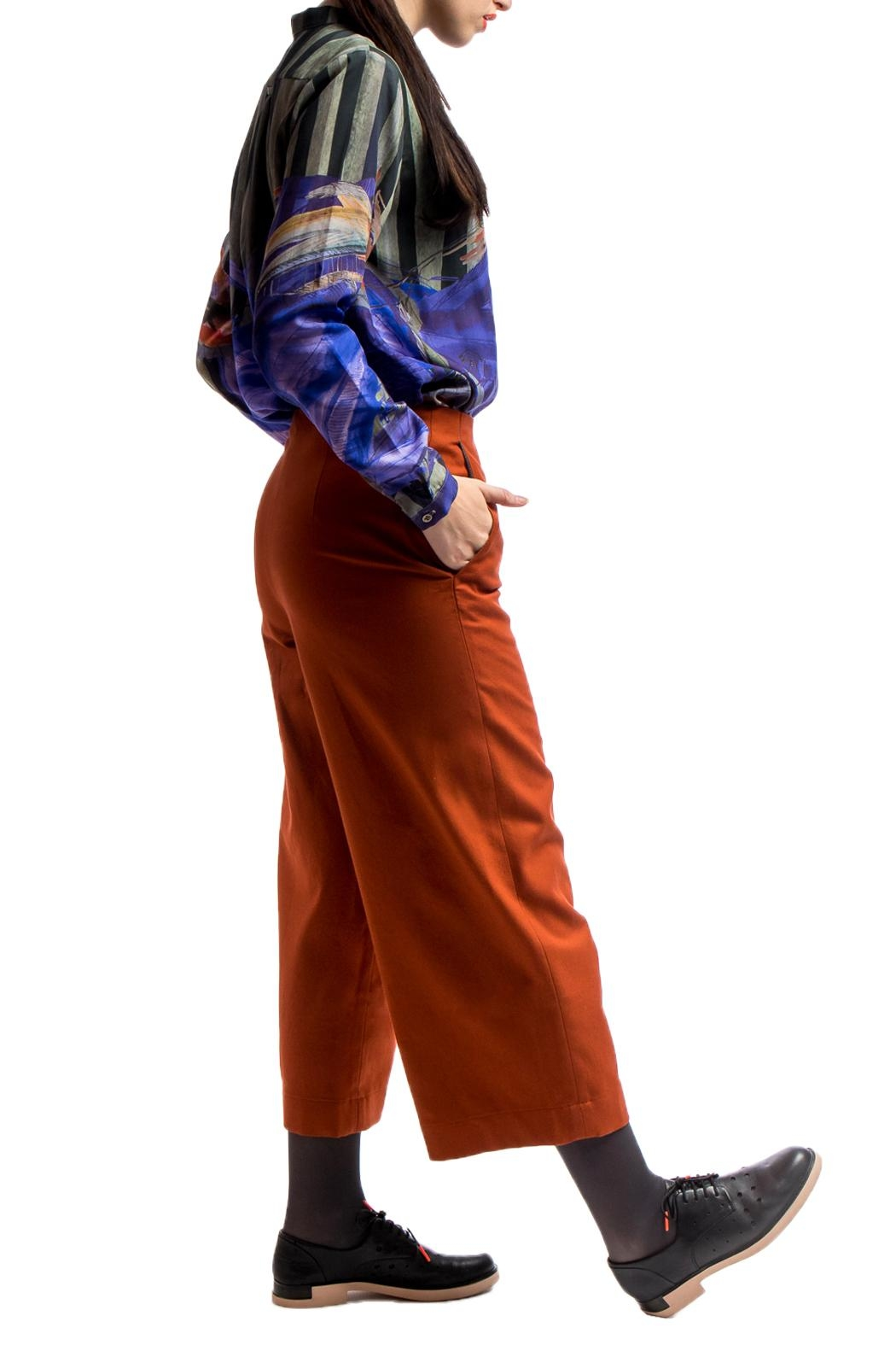 Clara Kaesdorf Culottes Red Cashmere - Side Cropped Image