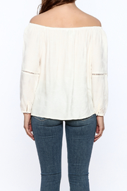 Cupcakes & Cashmere Havyn Top - Back cropped