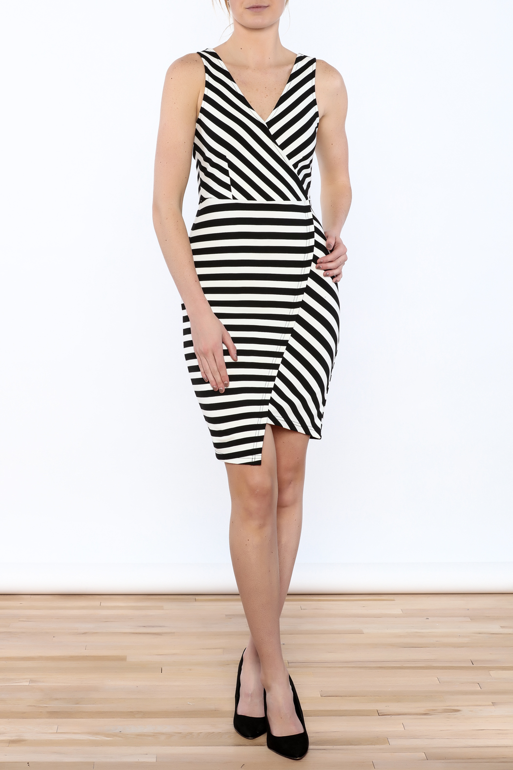 Cupcakes & Cashmere Sheldon Striped Dress - Front Full Image