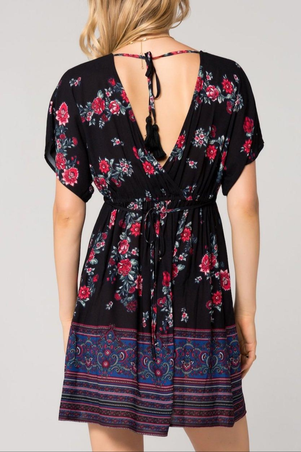 Band Of Gypsies Curacao Floral Dress - Side Cropped Image