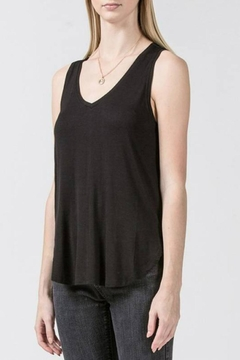 Double Zero Curved Hem Tank - Product List Image