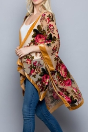 Gifted Cut Velvel Kimono - Side cropped