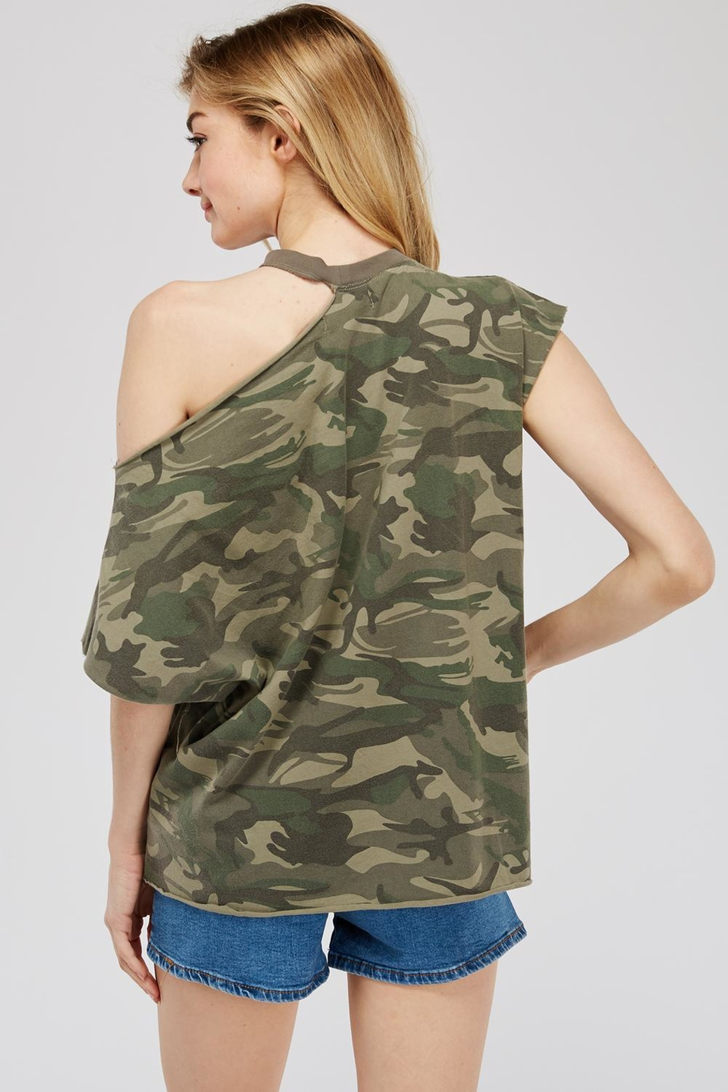 Mustard Seed Cutout-Shoulder Camo Top - Side Cropped Image