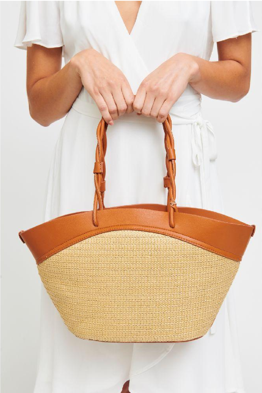 Urban Expressions Cyprus Straw Tote - Front Full Image