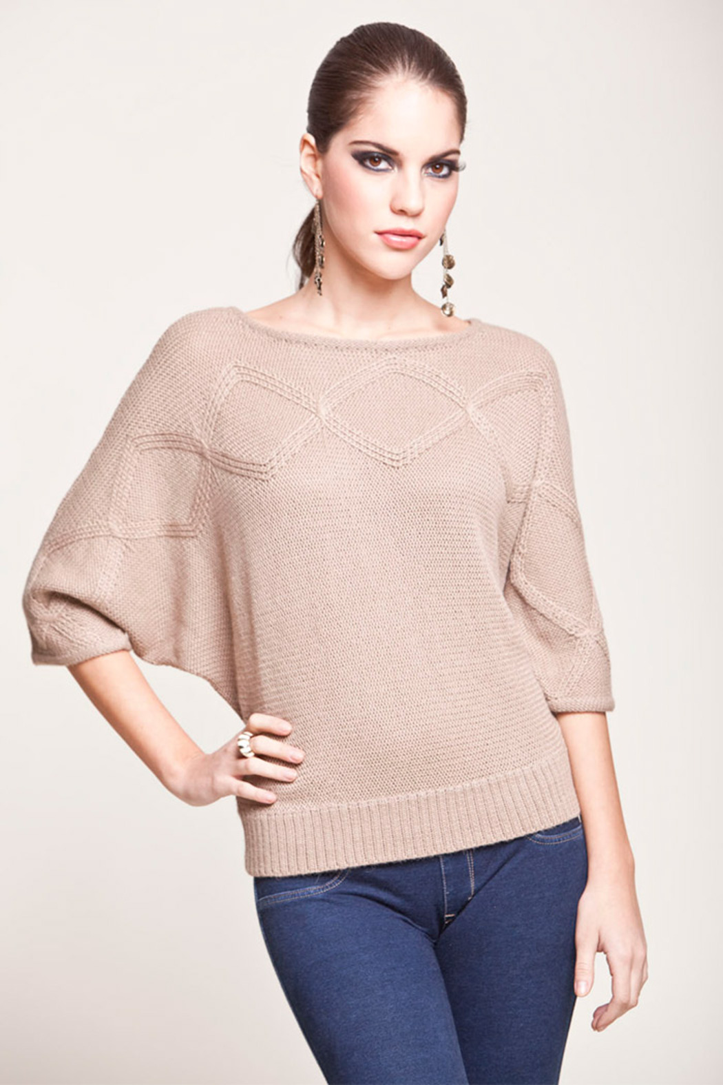 Find kimono sleeve sweater at ShopStyle. Shop the latest collection of kimono sleeve sweater from the most popular stores - all in one place.