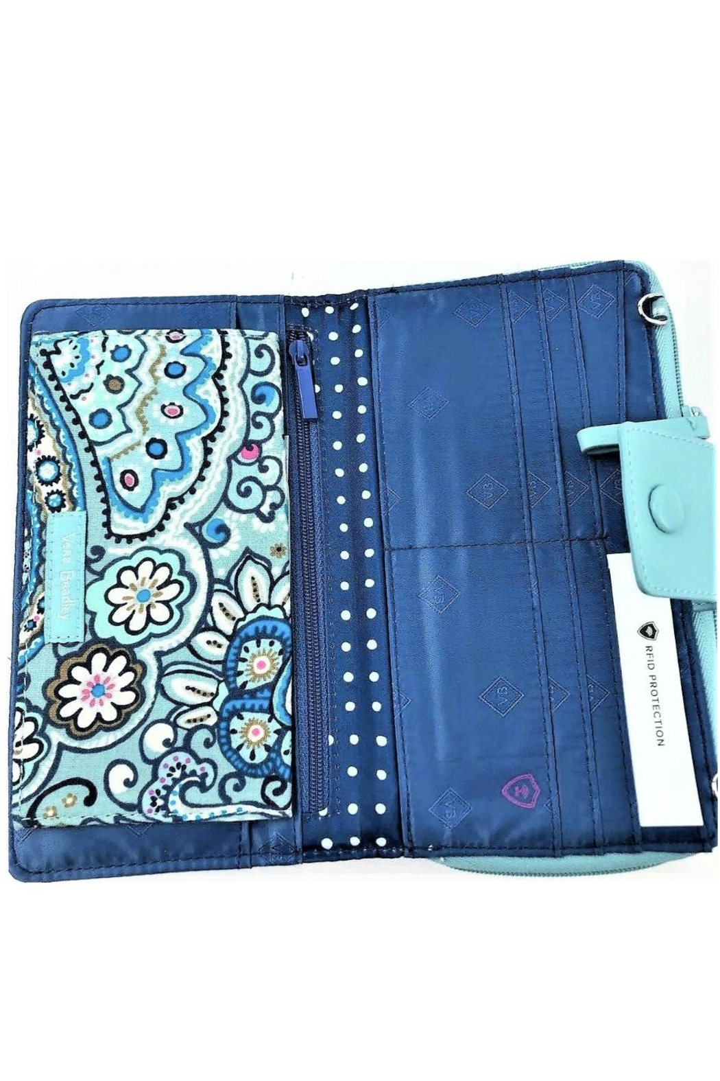 Vera Bradley Daisy Dot Paisley-Deluxe-Alltogether - Back Cropped Image